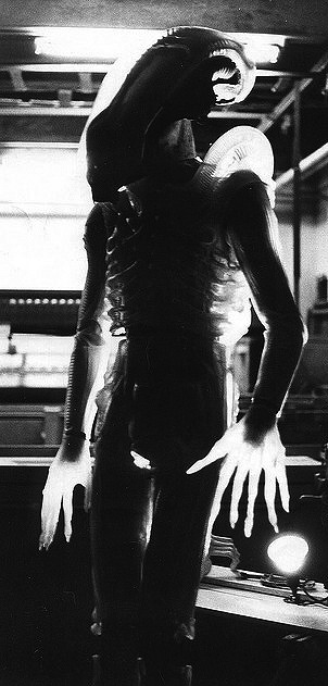ALIEN-1979-translucent-suit2.jpg