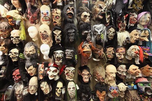 Preparations+Halloween+Continue+Weekend+Festivities+XBX1vSntjLxl.jpg