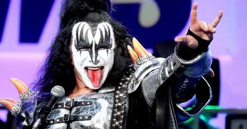 Kiss-Gene-Simmons-Devils-Horn-Hand-Gester-Registered.jpg