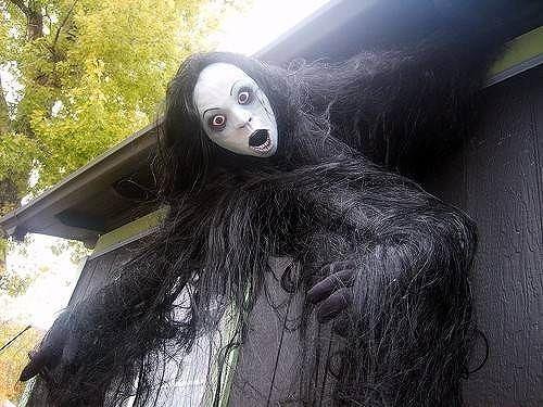 343f13a20f2d711d6ade8a1cf3479e09--halloween-outside-halloween-stuff.jpg