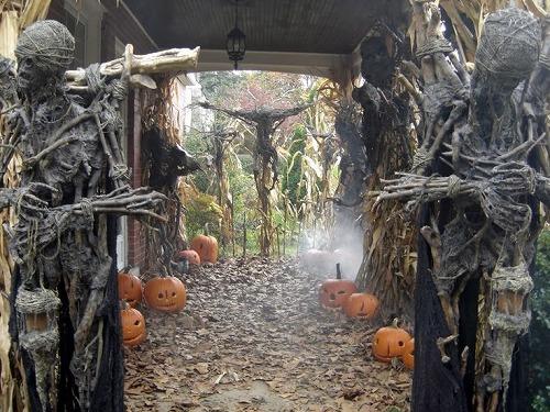 de238467a2eb57b077f5afbc2dc24726--halloween-horror-halloween-prop.jpg