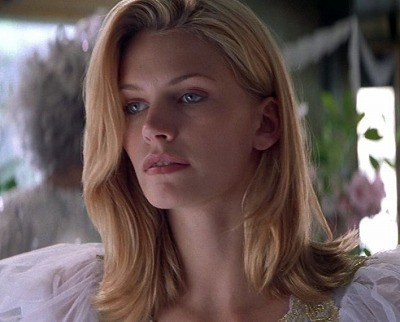 6faf4849dd83639cec8f6d5a2671f18b--beautiful-eyes-natasha-henstridge-body.jpg