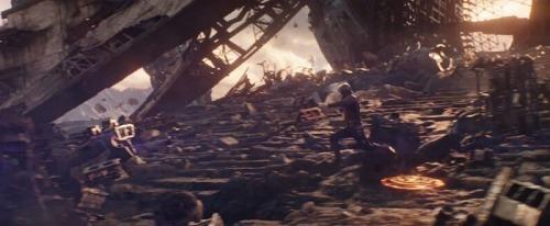 avengers-infinitywar-trailerbreakdown-starlord-leaping-titan-700x289.jpg