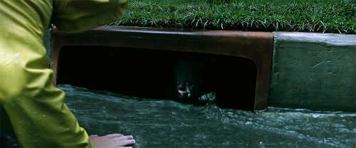 FEATURED-IT-2017-Georgie-Pennywise-sewer-drain-1024x427.jpg