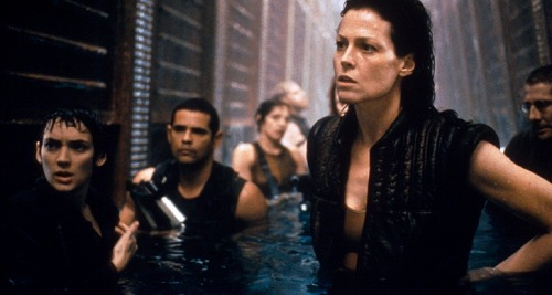 Alien-Resurrection-Movie-Review-Image-Header-1540833614-726x388.jpg