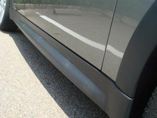 """『MINI_COOPER_S』の運転席側のドアミラーが格納不能になったので、修理をした。その際、""""ウォーターマスカラ""""なるコーティングを勧めら、施行した。お陰でディーの表面は、ピカピカで、ツルツルになった!!MINI_Kanazawaのービスは相当素晴らしいと感動した。"""