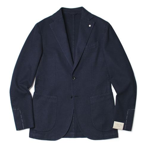 L.B.M.1911(エルビーエム1911)の味わい深い生地感が特徴的なガーメントダイコットンドビーシングル2Bジャケットはイタリアのクラシカルな雰囲気にモダンなエッセンスを取り入れた逸品だ。