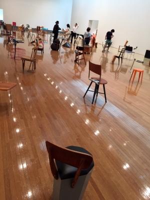マルティーノ・ガンパー100日で100脚の椅子
