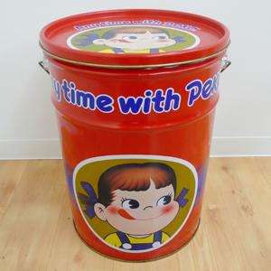ペコちゃん缶