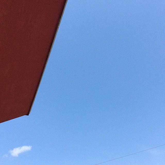 20200321空と雲と屋根