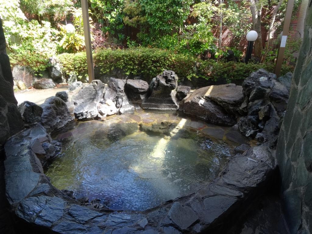 庭園付鉄平石露天風呂