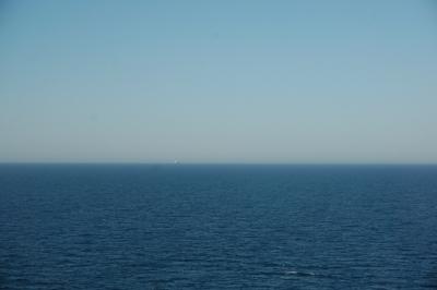 コスタビクトリア水平線
