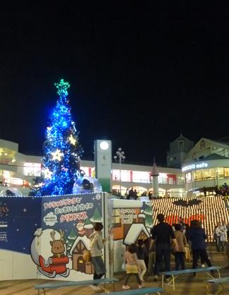 セルシー千里  クリスマスツリー
