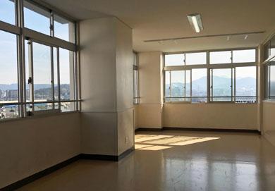 中学校 参観日 体育館 屋根