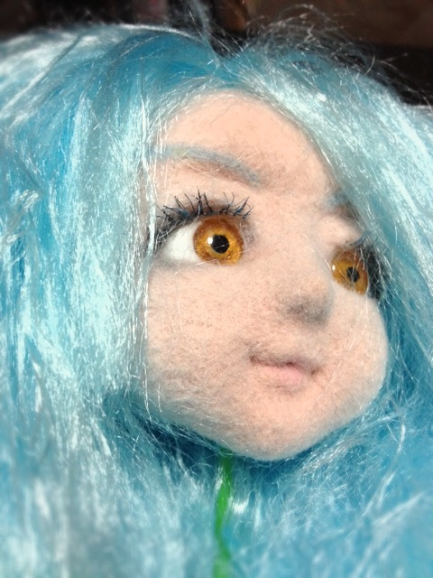 doll_bluehair2.JPG