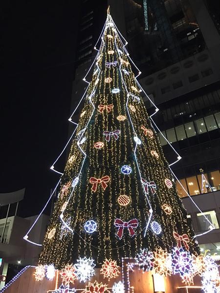 ドイツクリスマスマーケット クリスマスツリー 新梅田シティ スカイビル