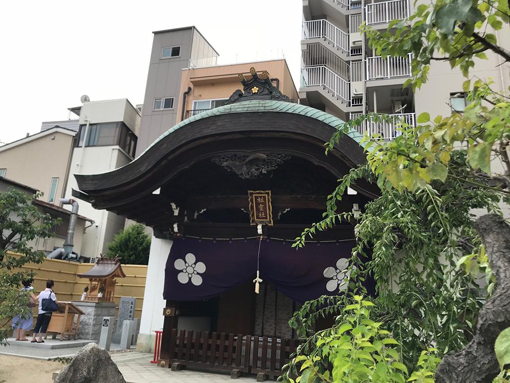 川崎東照宮の神輿蔵