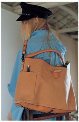 エィス reverse leather SHOULDER BAG