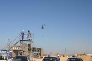 孤立集落へのヘリコプターによる人員派遣