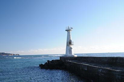 上総豊浜港防波堤灯台