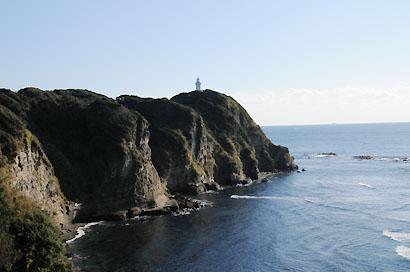 勝浦灯台遠景