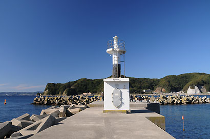 小湊港東防波堤灯台