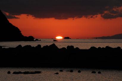 海に 沈む夕日