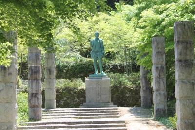 親氏公銅像.JPG