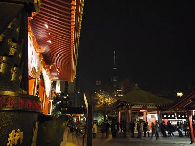 夜ツリーと浅草寺
