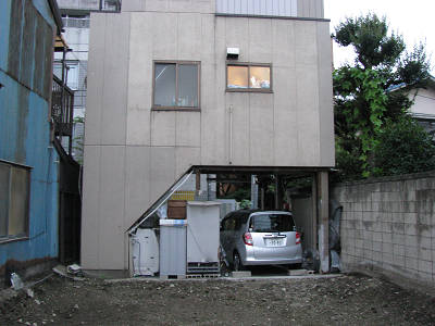 鳩の街の変な家
