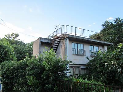 廃屋の階段1