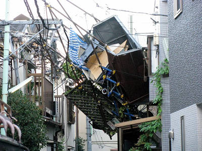 台風で飛んだベランダ2