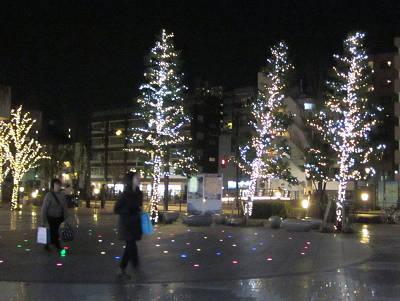 ソラマチ広場の木