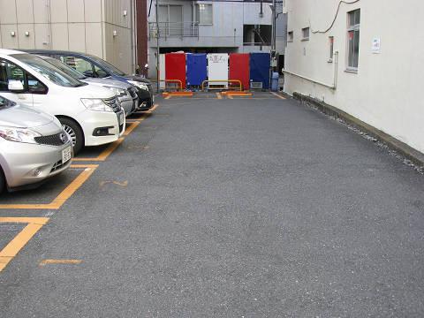 3色駐車場1