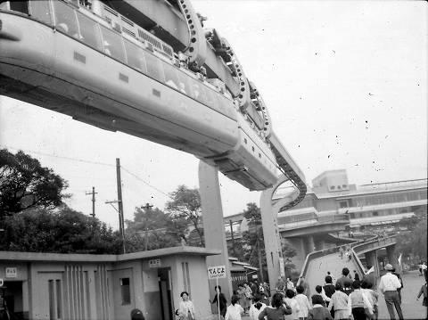 上野モノレール1