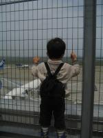 モノレールに乗って羽田空港で飛行機