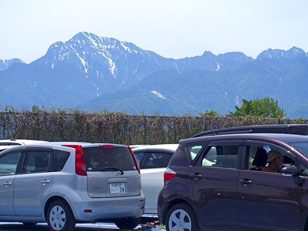 八ヶ岳ファーマーズマーケット駐車場
