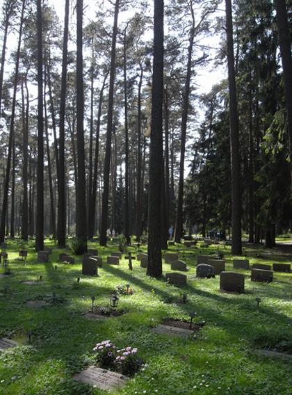 森の墓地 レベレンツゥ