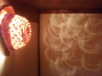 麦藁帽子の照明