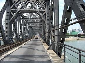 中朝友誼橋.jpg