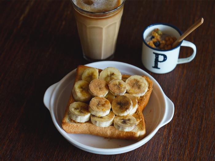 バナナピーナッツバタートースト