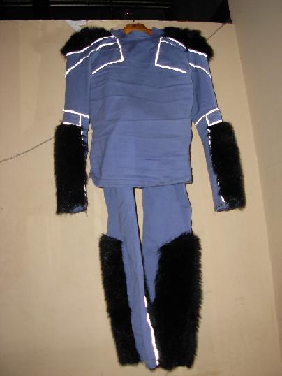 LOCUST衣装