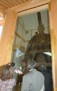 【福岡】「敵国降伏」、亀山上皇立像 原型の木像公開