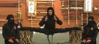 訓練するイランの女忍者