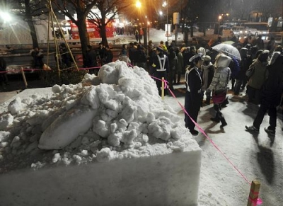 【社会】 「初音ミク」雪像倒壊で女性重傷を受け、雪像作りのガイドライン策定へ…札幌・上田市長