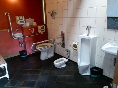 松山城トイレ