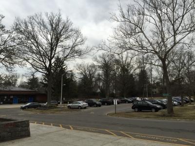 学校駐車場