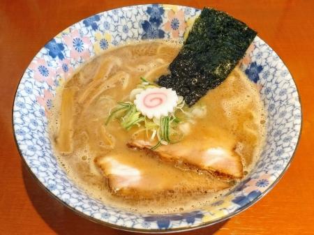 壱武さんの魚介豚骨ラーメン