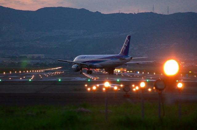 千里川 夕焼け 飛行機
