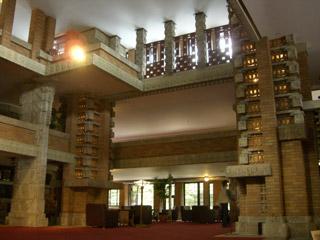 旧帝国ホテル エントランス内部